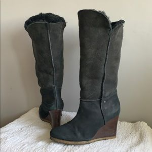 Ugg Aprelle Tall Black suede fur wedge boots 8.5